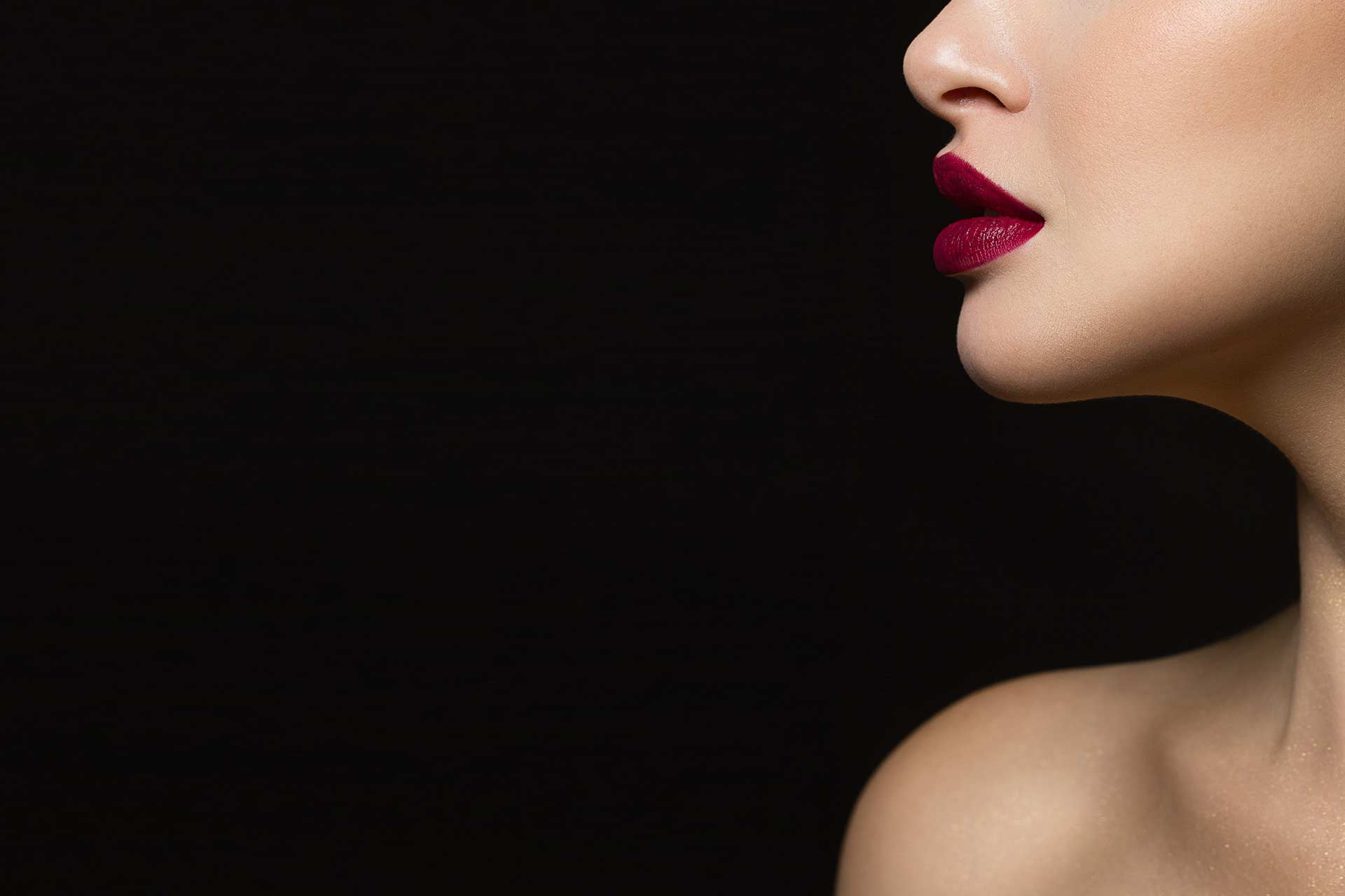 lipoumento de labios i lip lift i bolas bichat i liposuccion papada i lipofiling facial i rellenos acido hialuronico i hilos tensores Hilos Tensores